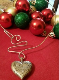 heart trinket wire necklace